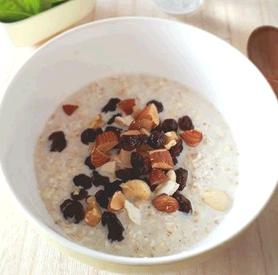 簡単朝食♪スキムミルク入りオートミール