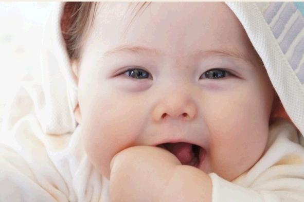 赤ちゃんが昼寝しない原因。上手くコントロールしてママもラクに!