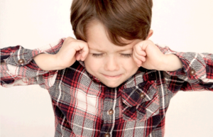 夜泣きと夜驚症の見分け方。治療は必要?